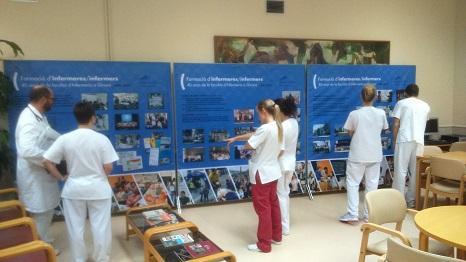 Imatge de l'exposició fotogràfica 40 anys d'infermeria a la UdG, al Centre Maria Gay de Girona
