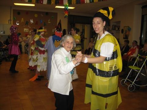 Celebració del carnestoltes al Centre Geriàtric Maria Gay