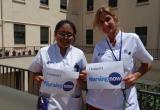 Dues infermeres del Centre Geriàtric Maria Gay, que s'ha adherit al programa Nursing Now