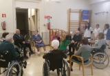 Reiniciem la teràpia amb cans al Centre Maria Gay de Girona